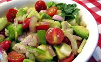 Σαλάτα με αβοκάντο, ντοματίνια και κρεμμύδι - by https://syntages-faghtwn.blogspot.gr