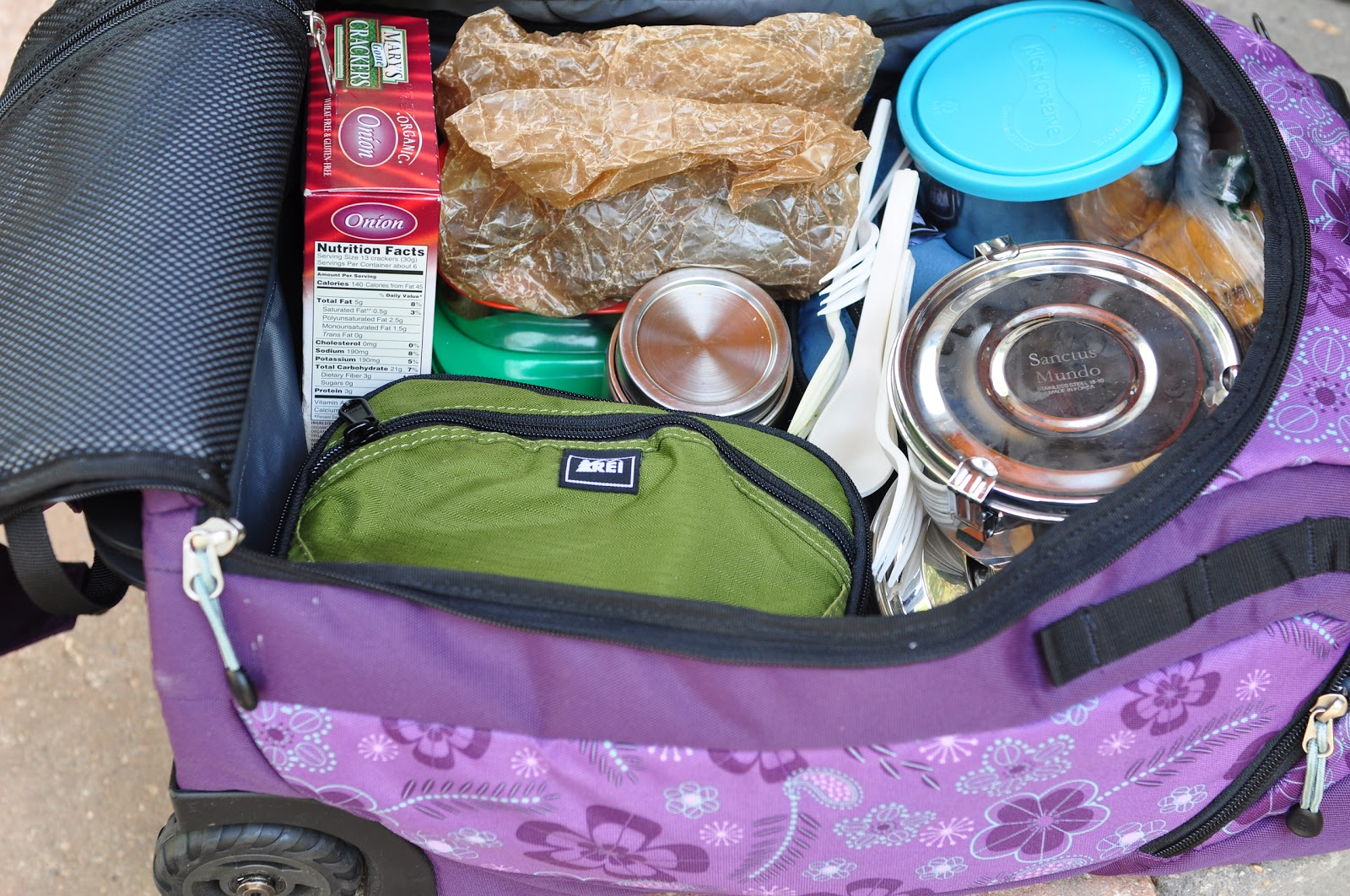 Handy Food Packing Tips for an RV Road Trip