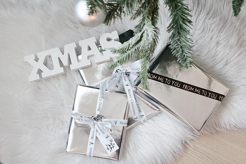 la dolce vita blog silver gift wrapping christmas