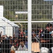 Ενισχύονται με προσλήψεις οι δομές φιλοξενίας προσφύγων. 100 θέσεις για το Λαύριο.