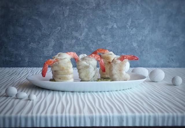 involtini di sogliola con gamberi su salsa al basilico