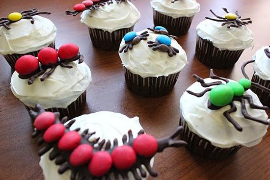 Hello Cupcake Buggy Halloween Cupcakes