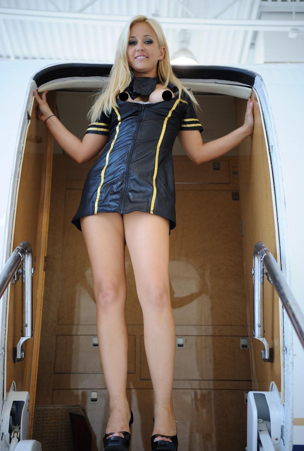 Nude Stewardess Thumbs 92