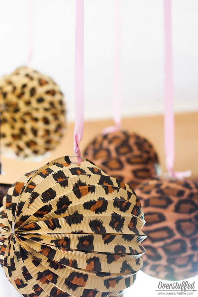 Super simple cheetah birthday party ideas overstuffed for Animal print party decoration ideas