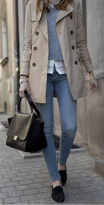trendy office outfit / loafers + bag + skinny jeans + beige trench coat + grey pulloer + white shirt