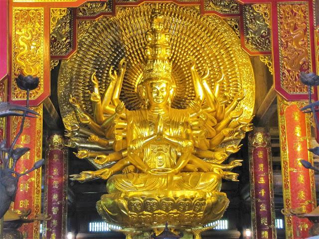 largest avalokitesvara bodhisattva bai dinh ninh binh vietnam
