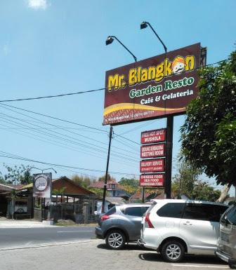 Mr Blangkon Resto
