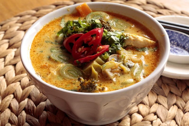 Tom kha tofu (Sopa tailandesa de coco y tofu) | Nahual