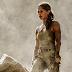 """Saíram as primeiras imagens de Alicia Vikander como a Lara Croft em """"Tomb Raider"""" e está fiel pra caramba!"""