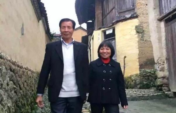 Terpikat Dengan Kecekalan Ibu Tunggal, Jutawan Sanggup Tinggalkan Harta Kekayaan Demi Cinta