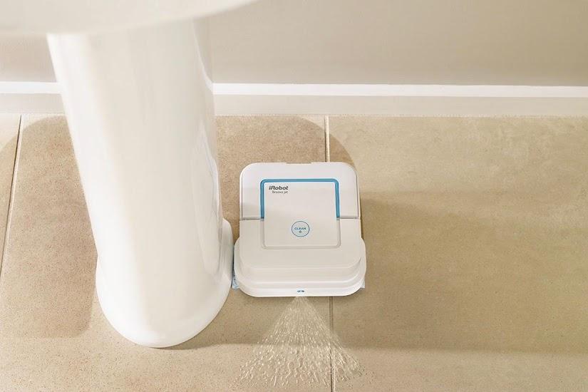 Robot friegasuelos Braava Jet para los baños