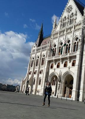 parlamento-en-pest-budapest-escapada-enlacima-hungria