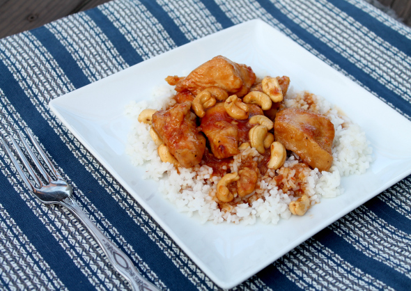 Crock-Pot Cashew Chicken - super easy and delish! Love the crunch from the cashews!