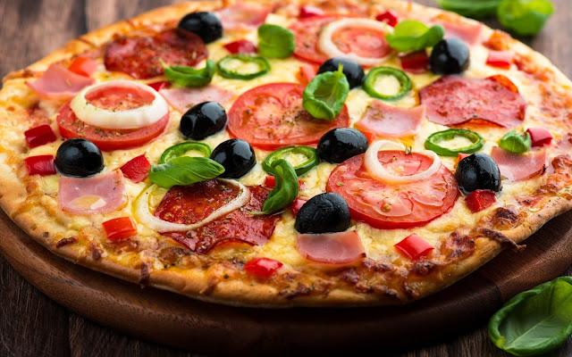 طريقة عمل البيتزا  في المقلاه بدون فرن
