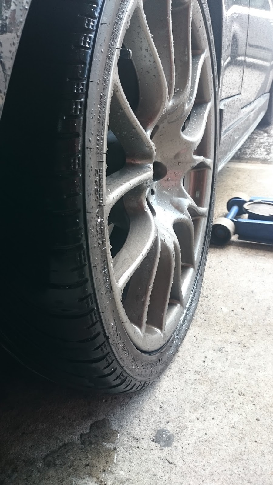 Rim cracked on car