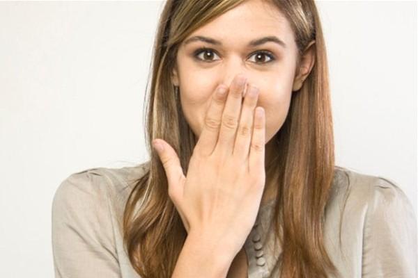 14 Cara Cepat Menghilangkan Bau Mulut Secara Alami