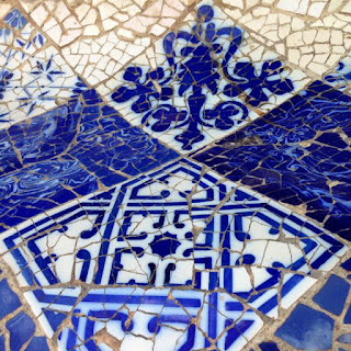 Cenefa de trencadís del Park Güell de Gaudí