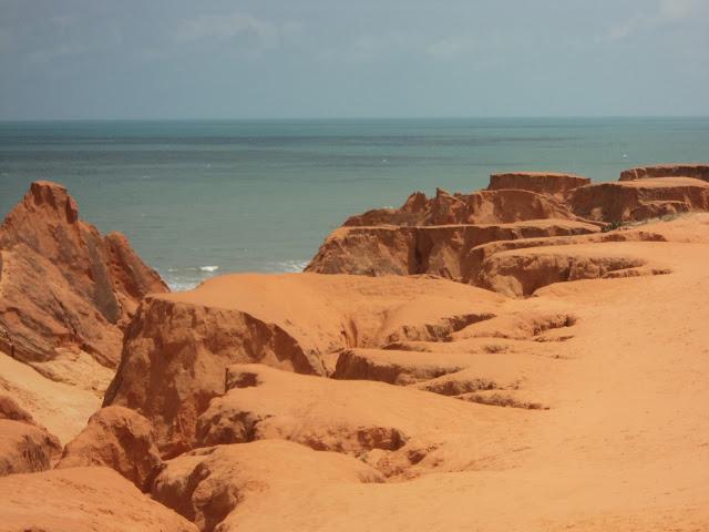 Passeio na Praia de Morro Branco, no litoral cearense