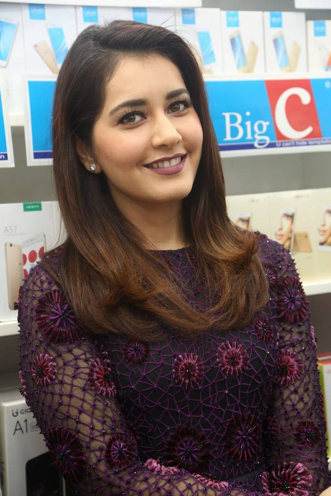 Raashi Khanna At Big C Mobile Store Launch In Kukatpally Stills