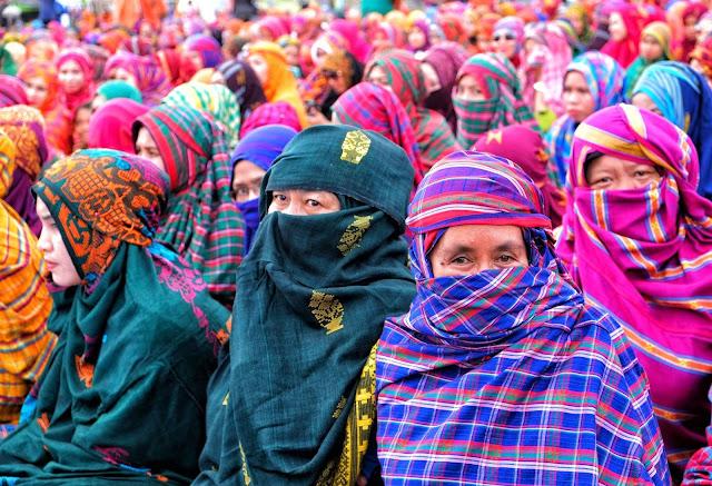 Rimpu Mpida Hijab tradisional wanita Bima, Nusa Tenggara Barat