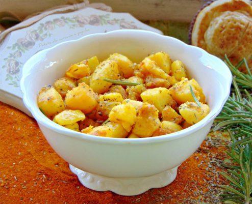 patate speziate con paprika e curcuma