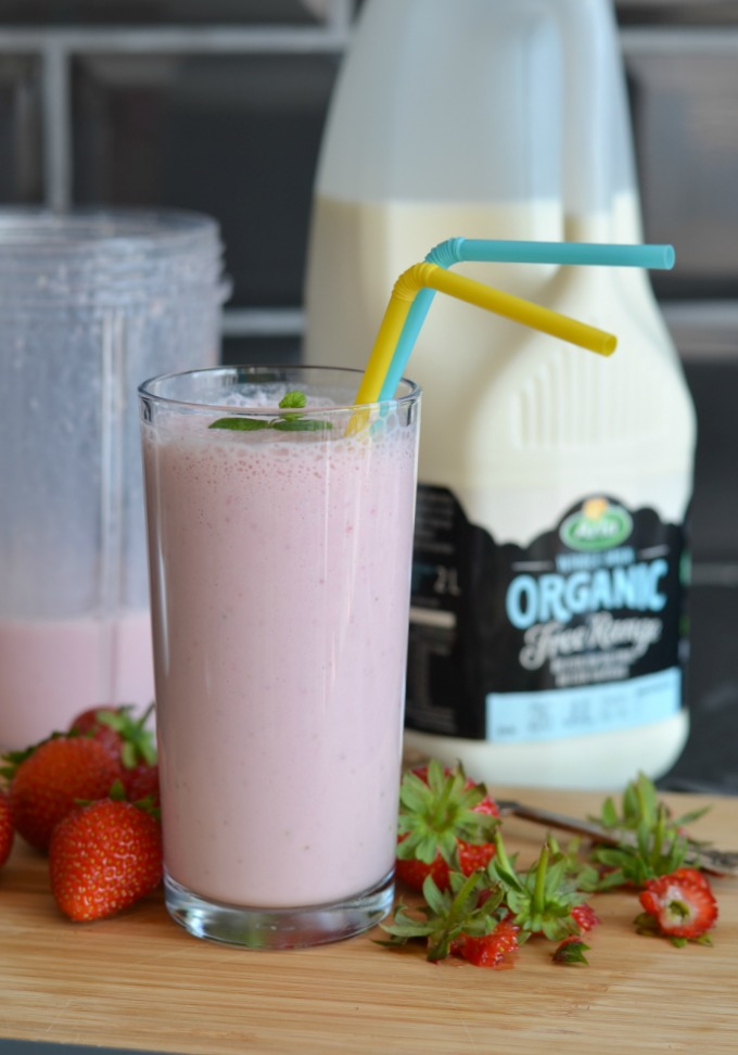 Strawberry Milkshake with Organic Free Range Milk from Arla
