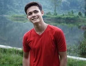 Bryan Andrew Senyum