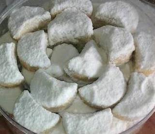 Kue Putri Salju Kacang Keju