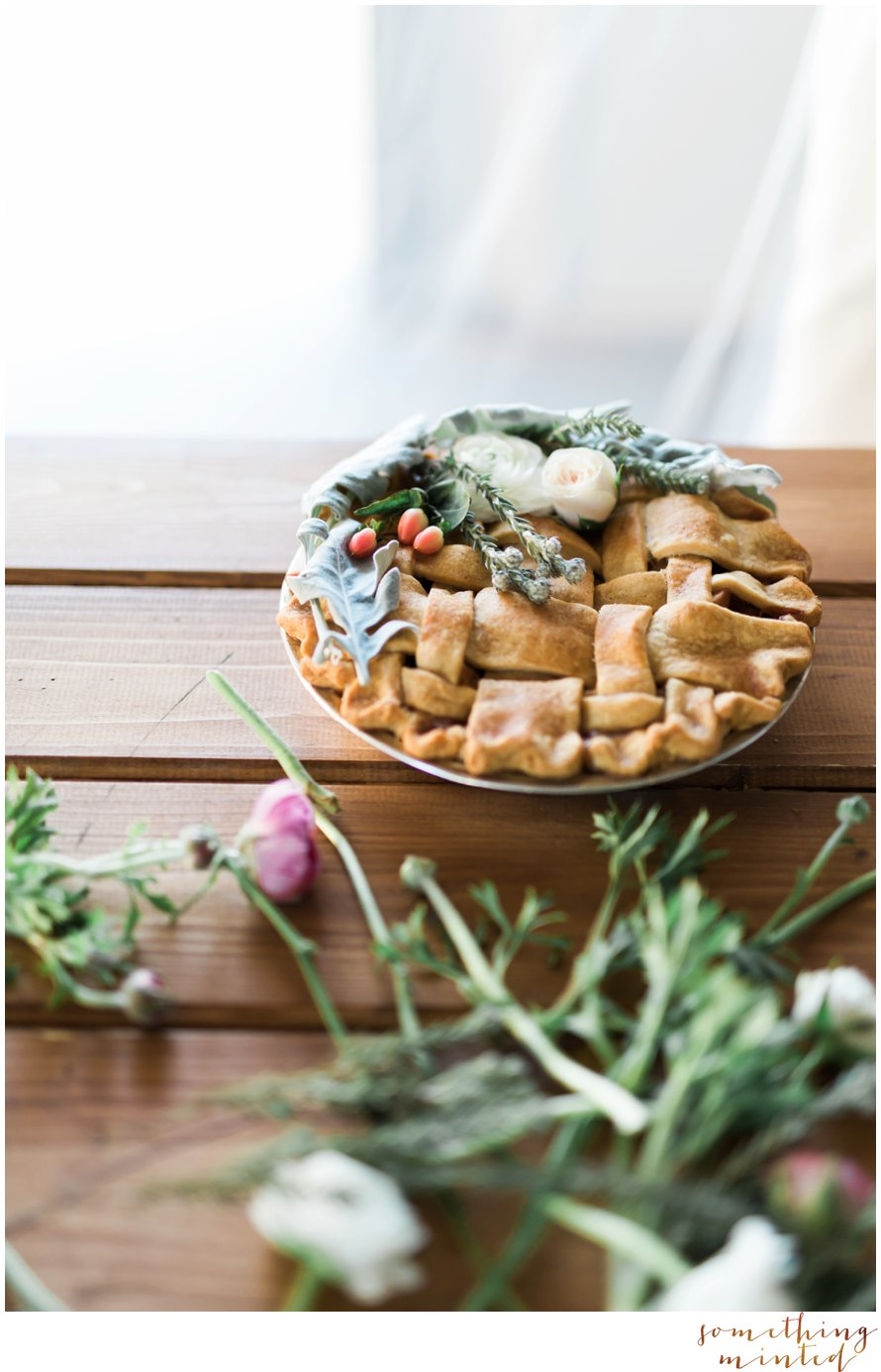Wedding Pie Ideas by Snohomish Wedding Photographer Something Minted