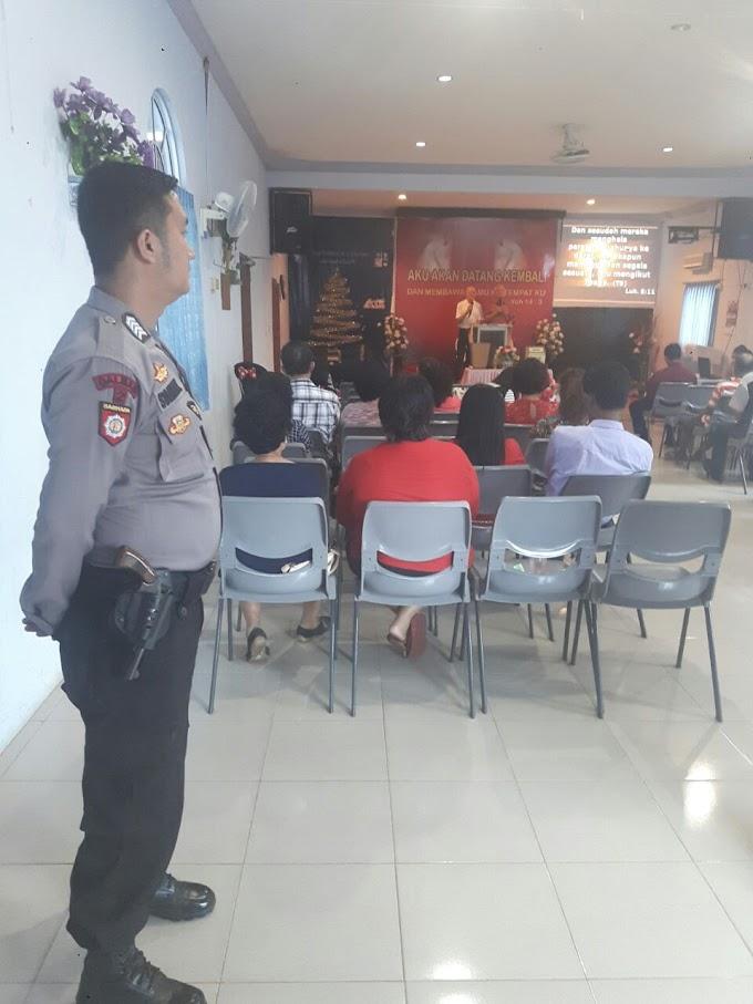 Anggotanya Melaksanakan Patroli Dan Melakukan Pengamanan Di Gereja GPDI Kelurahan Senggarang