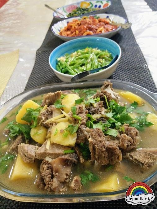 Sup tulang daging lembu fresh dari kampung