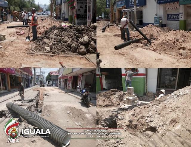 Continúan obras de drenaje y asfaltado