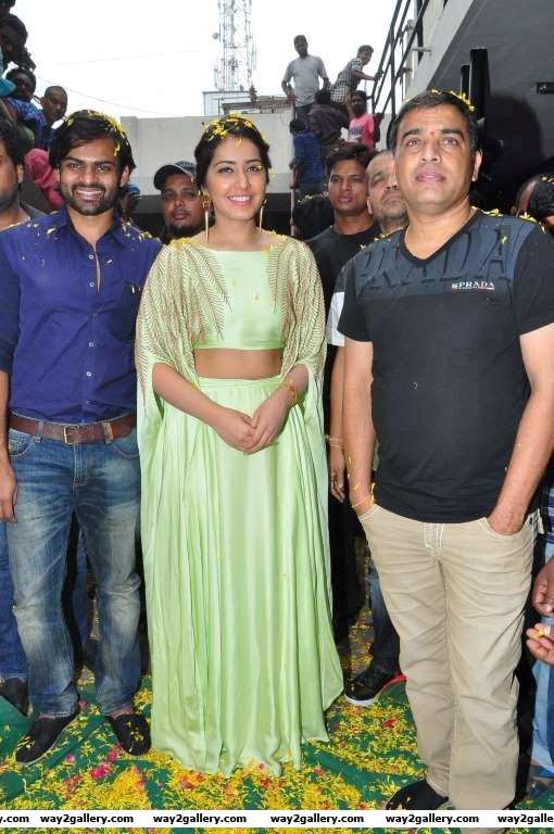 The director and cast of Supreme gets greeted with flowers at Sandhya mm Hyderabad