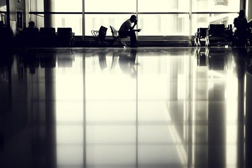Jak przygotować się do długiego lotu?