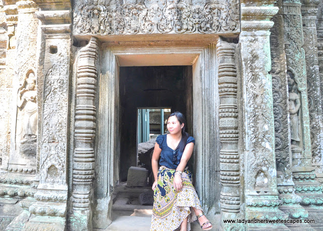 Lady in Ta Phrom
