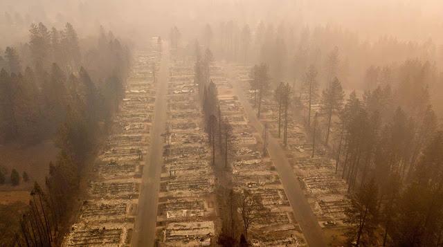 Згорілий район Парадайзу після лісових пожеж в Каліфорнії