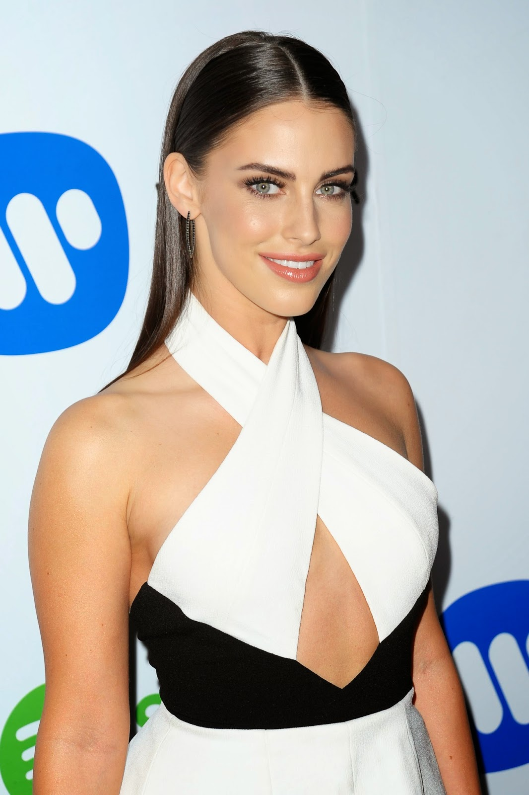 Gorgeous Jessica Lowndes in Warner Music After Party in LA pic 1
