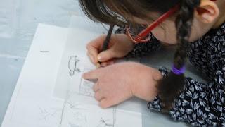 dessin couleur atelier créatif enfant peinture fusain