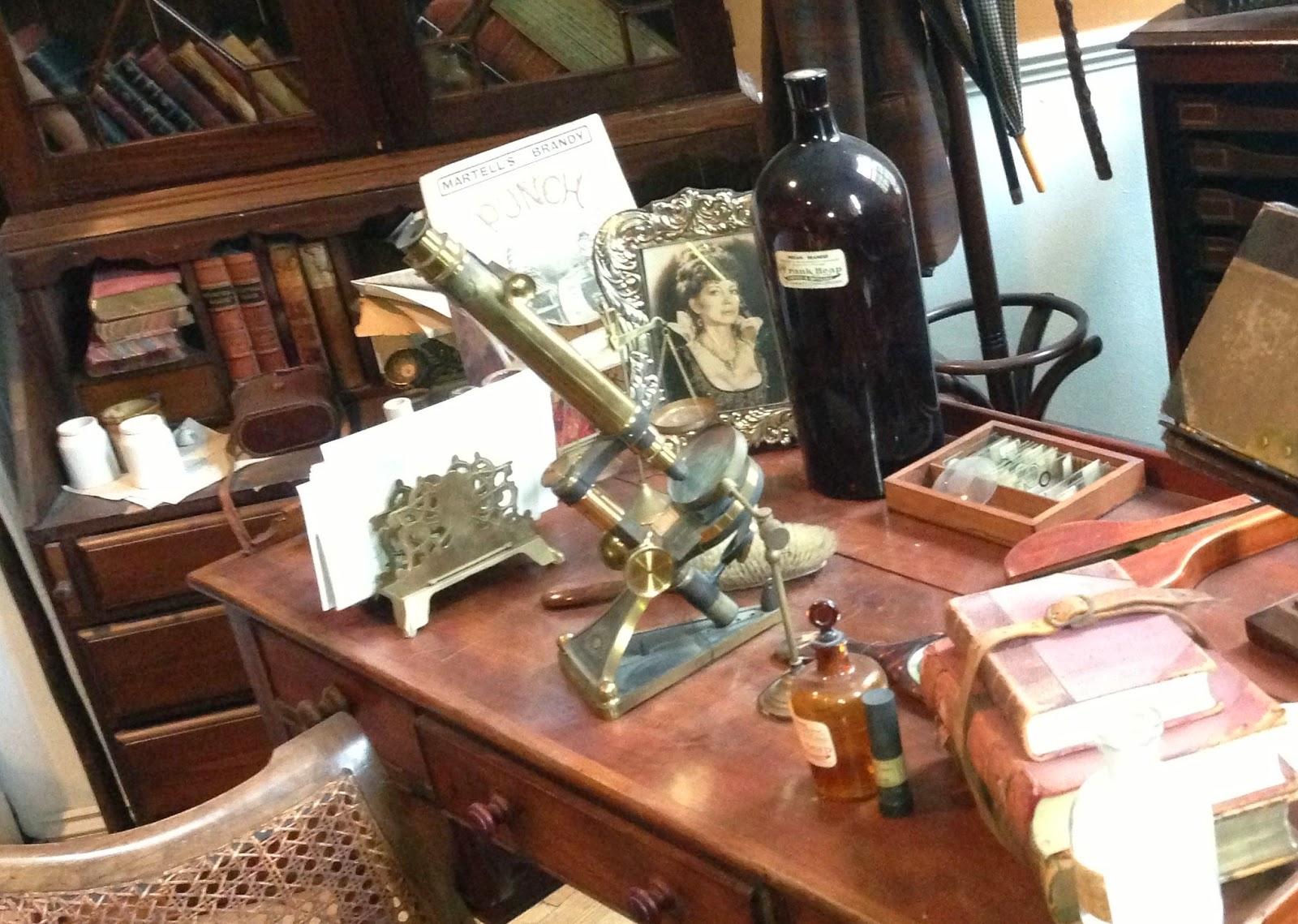 The microscope used by Jeremy Brett as Sherlock Holmes