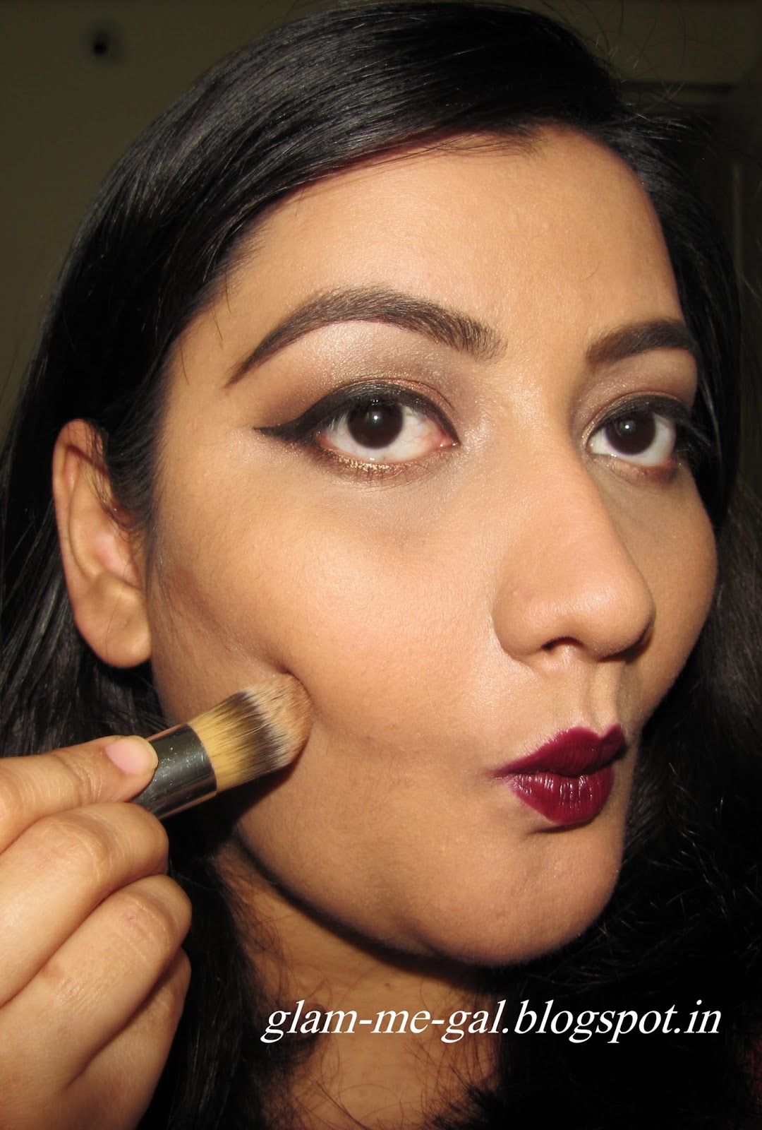 MAKEUP BASICS 101 ON HOW TO CONTOUR AND HIGHLIGHT YOUR