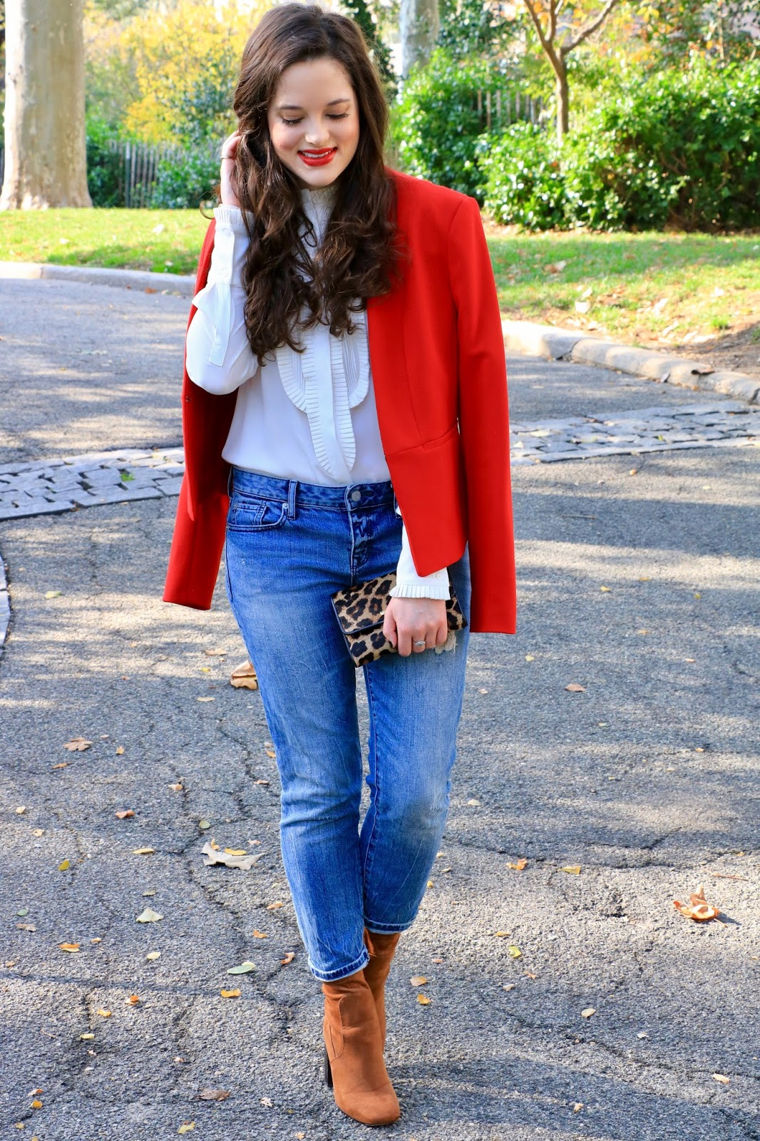 how to wear red blazer