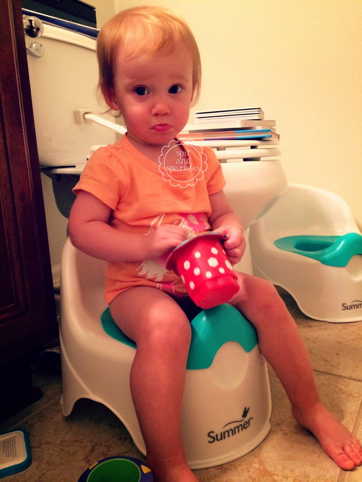 How to Keep Toddlers Entertained in the Bath #twins #Nuby #product review #bath