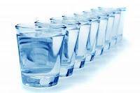 Informasi Rokok: Minum air putih 8 gelas sehari