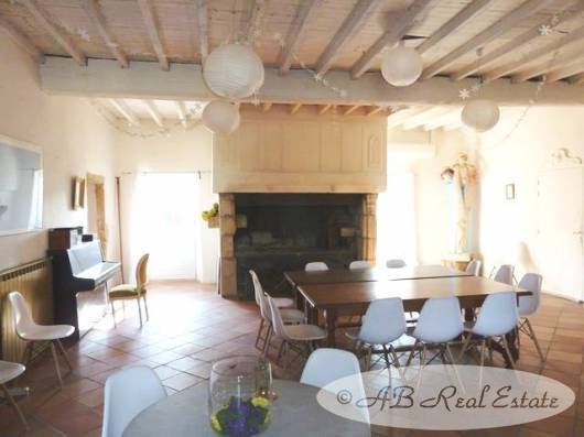 Chateau (castle) 15th Century and two Renovated Houses for Sale in Castelnaudary area, Languedoc Roussillon, South of France