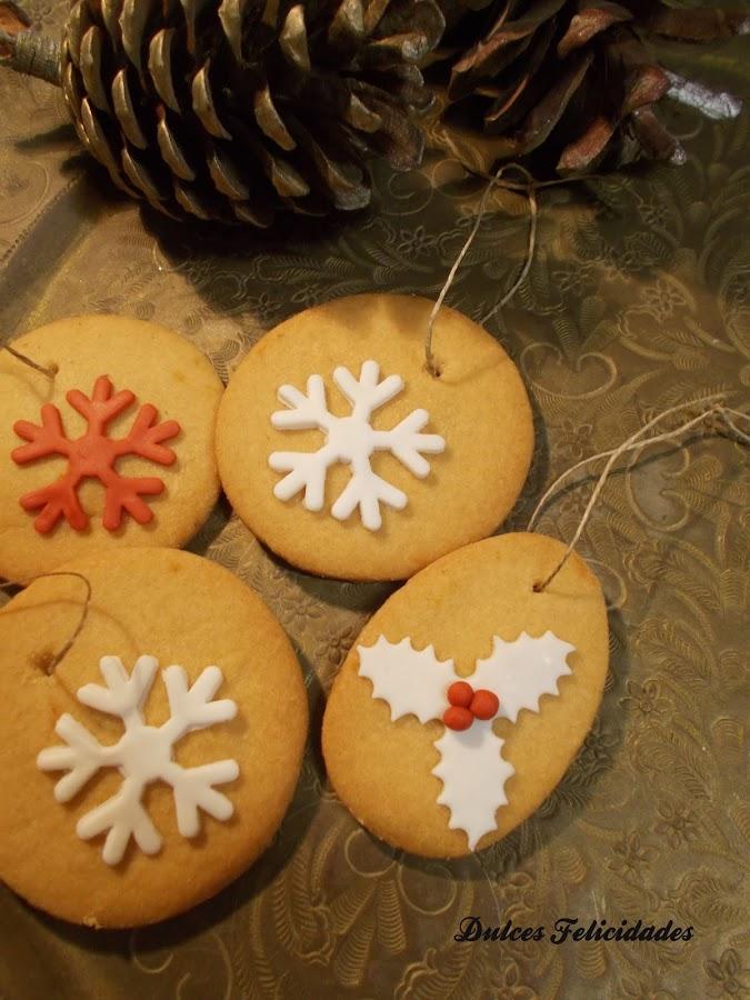 Galletas decoradas para el árbol de Navidad