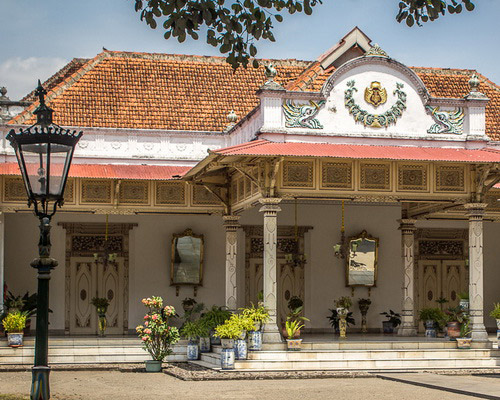 travel.tinuku.com The Palace of Yogyakarta Kingdom