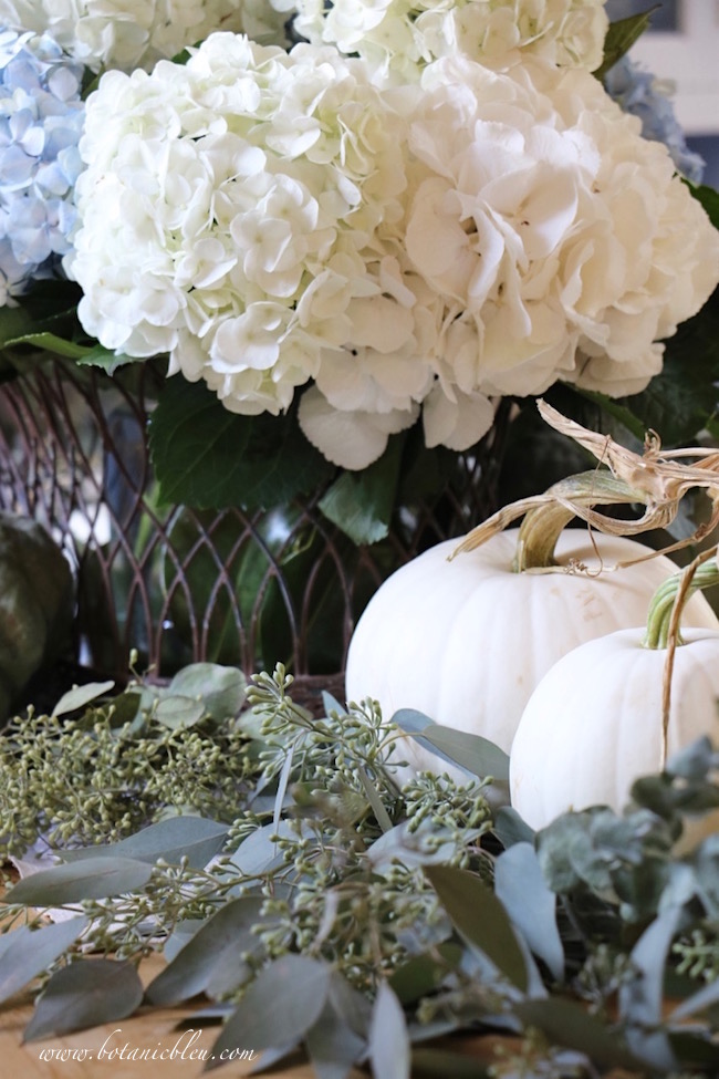 fall-home-tour-pumpkin-seeded-eucalyptus-centerpiece