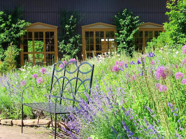 Unn deg å ta lunsjen i Trädgårdsföreningen i  Gøteborg - En sitteplass i blomsterflorIMG_4432