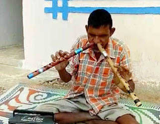 man-has-the-unique-talent-of-ploying-flute-through-nose