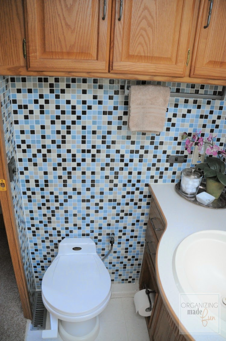 A Quot New Quot Bathroom In The Small Space Organizing Made Fun